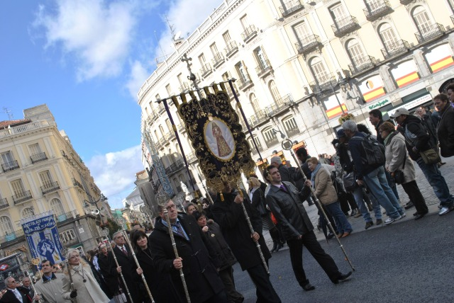 Procession through La Puerta del Sol