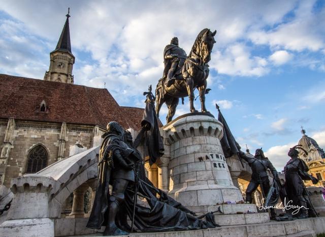 Statue of Matthais Corvinus on Unirri Square.