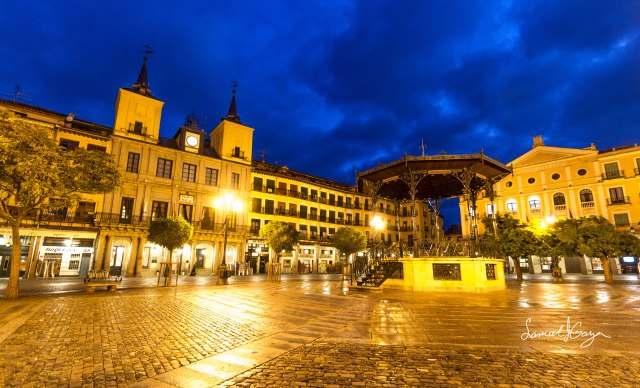 Sunrise shot of the Plaza Mayor prior to the rain.